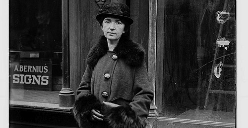 Sanger in 1917 (courtesy of the Library of Congress.